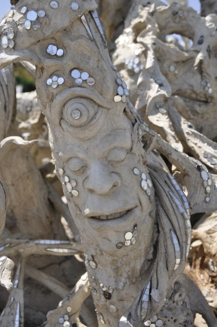 treesculpturewhitetemple