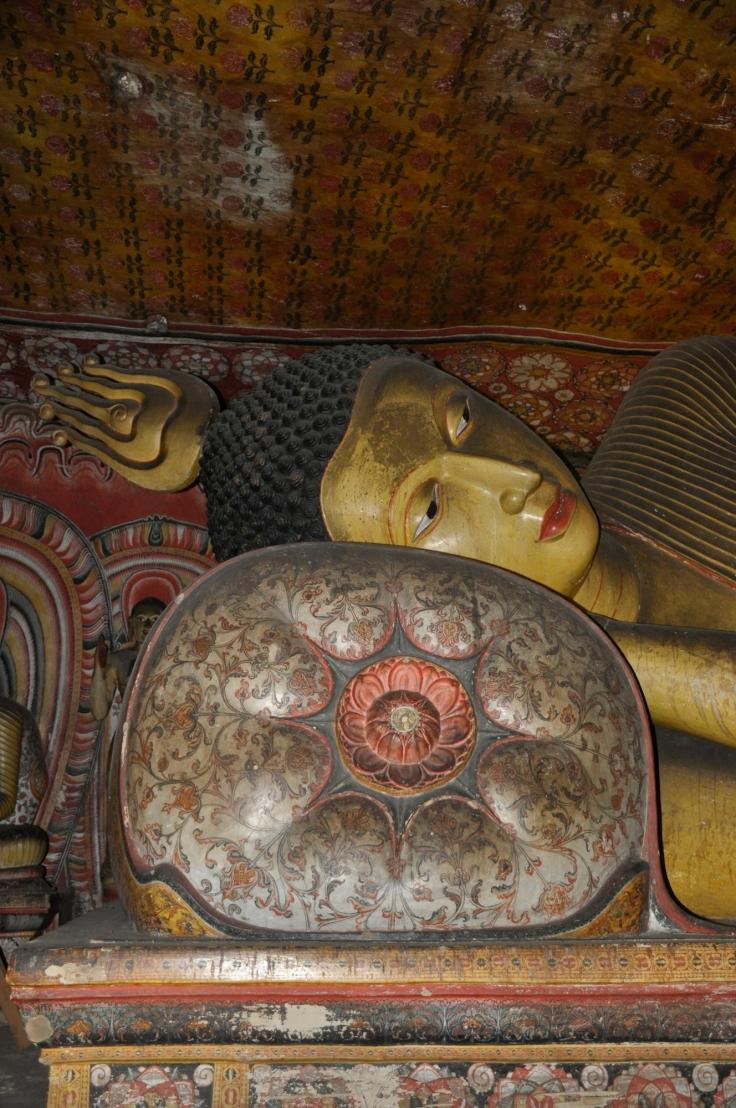 sleepingbuddhadambulla