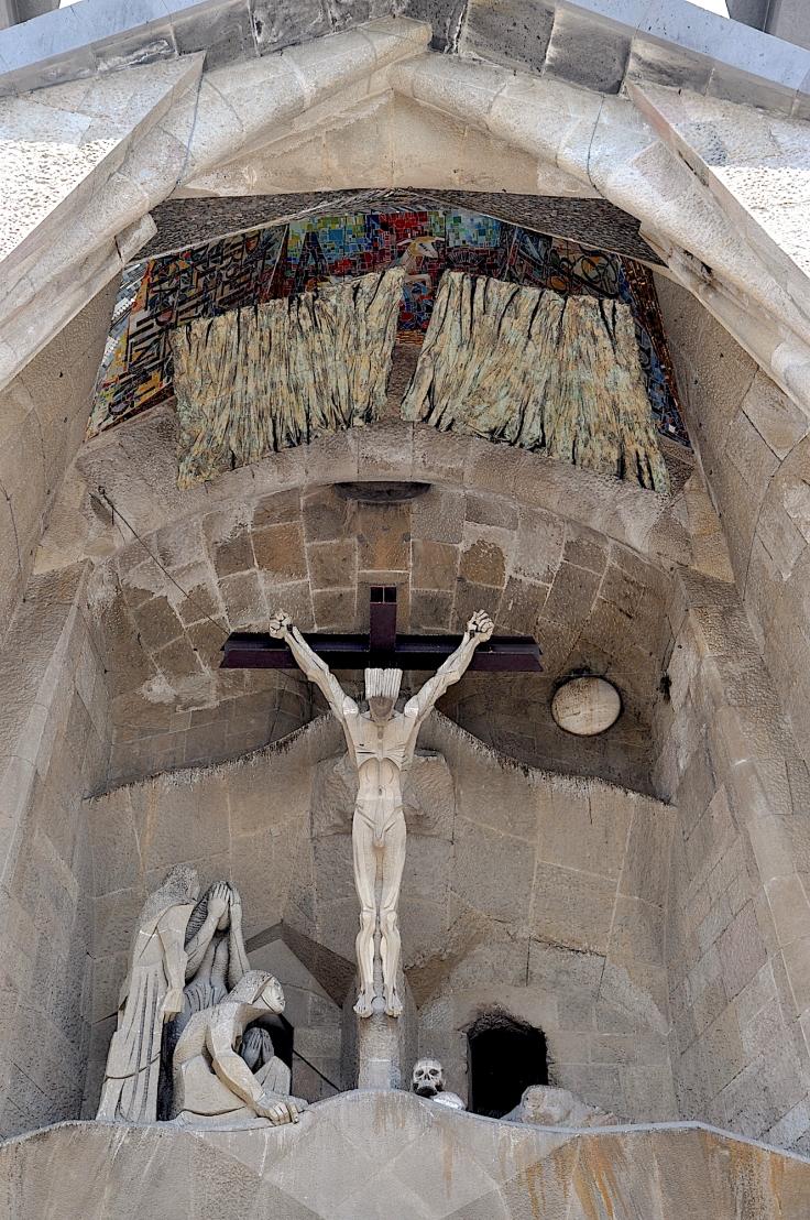 sagradafamiliacrucifixion